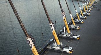 Multi-crane lift performance by Grove cranes