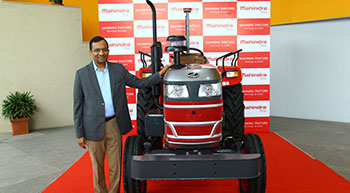 Mahindra unveils its first-ever driverless tractor in India