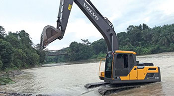Challenging flooded waters