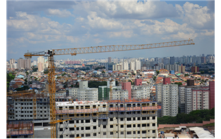 São Paulo residential project using Liebherr tower cranes