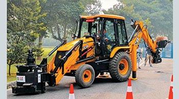 JCB India develops pothole repair machine
