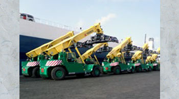 TPS delivers 10 Terex TFC 45 H reach stackers to Benin