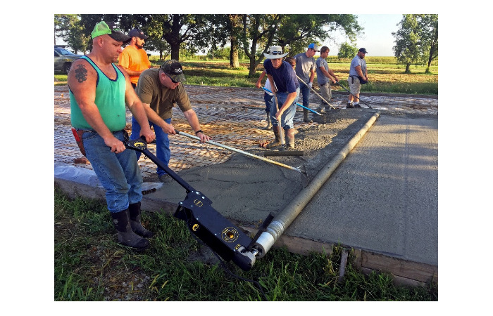 Curb Roller Manufacturing launches Eel Screed 6100