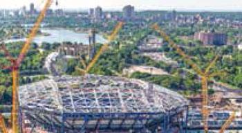 Liebherr cranes at the world´s largest tennis stadium